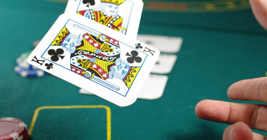 Respondiendo a algunas preguntas acerca de una buena estrategia de Poker